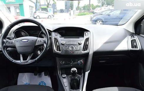 Ford Focus 2017 белый - фото 10