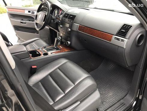 Volkswagen Touareg 2007 черный - фото 4
