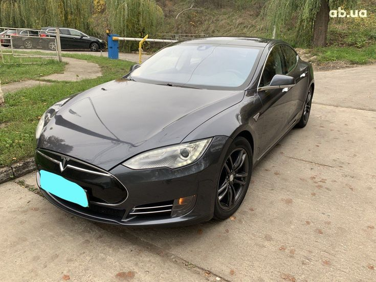 Tesla Model S 2015 серый - фото 3