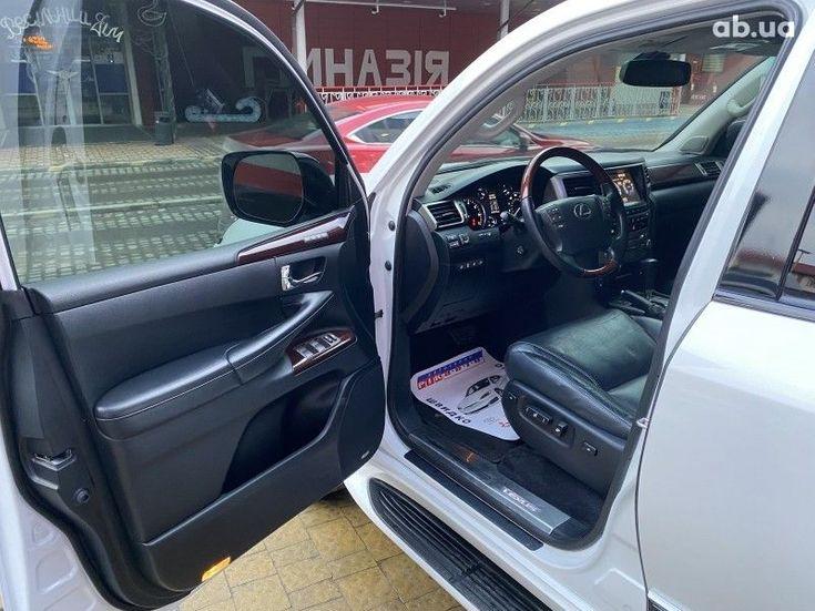 Lexus LX 2013 белый - фото 6