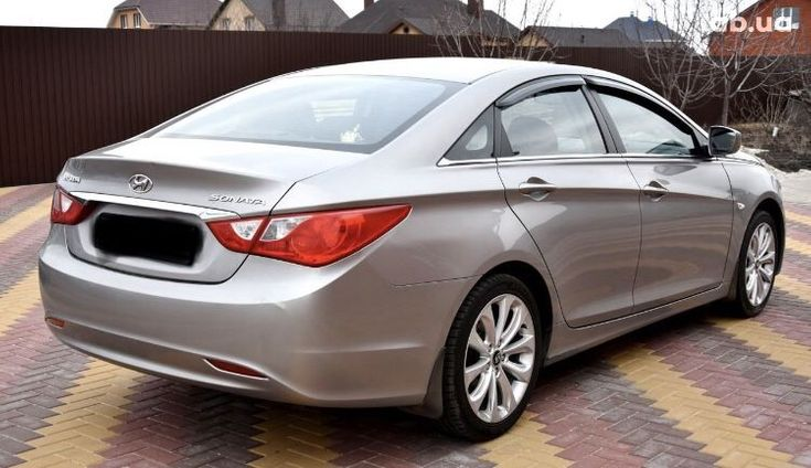 Hyundai Sonata 2011 серый - фото 4