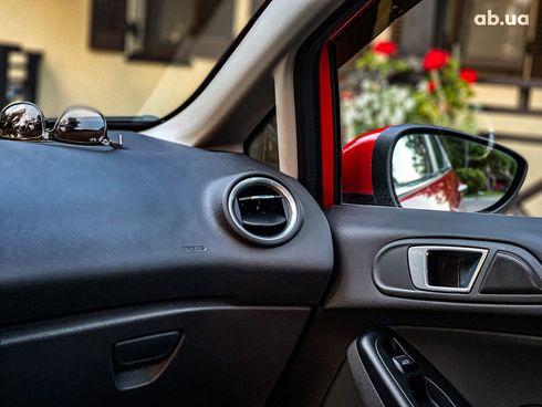Ford Fiesta 2017 красный - фото 13