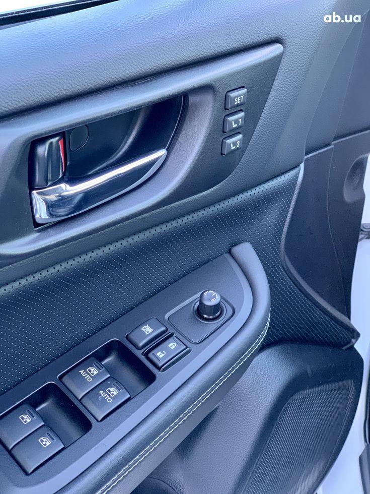 Subaru Outback 2017 белый - фото 17