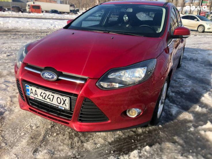 Ford Focus 2012 красный - фото 1