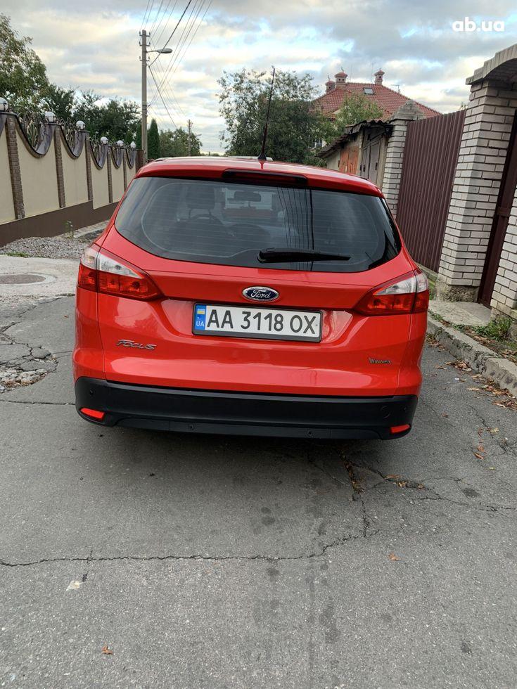 Ford Focus 2011 красный - фото 9