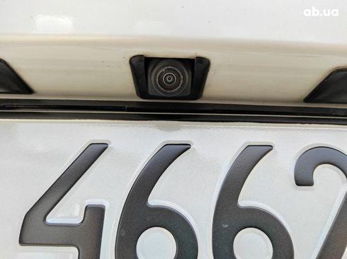 Mazda 3 2019 белый - фото 12
