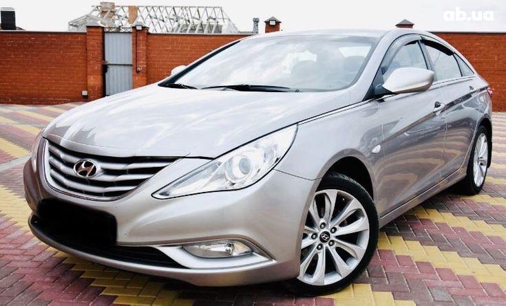 Hyundai Sonata 2011 серый - фото 1