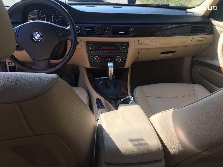 BMW 3 серия 2010 черный - фото 8