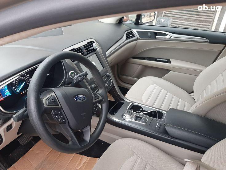 Ford Fusion 2017 золотистый - фото 15