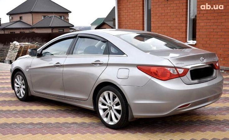 Hyundai Sonata 2011 серый - фото 12