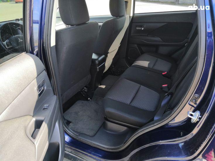 Mitsubishi Outlander 2014 синий - фото 14