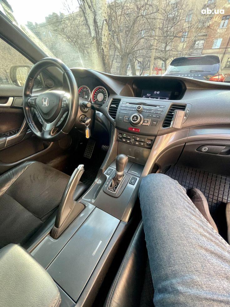 Honda Accord 2012 черный - фото 7