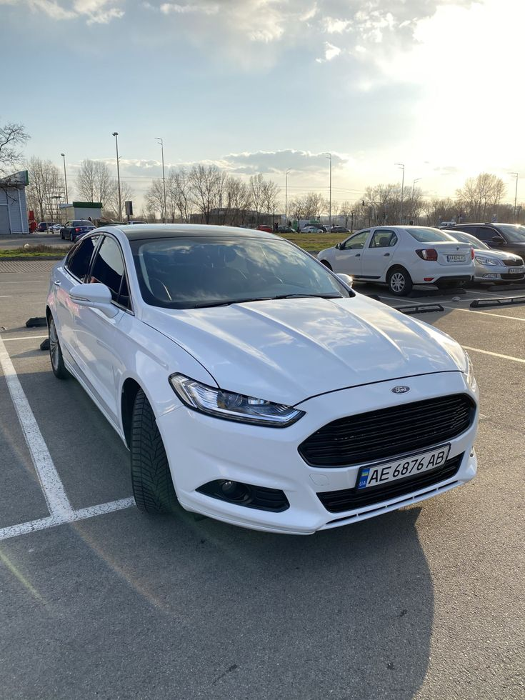 Ford Fusion 2014 белый - фото 1