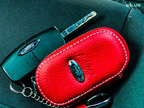Ford Fiesta 2017 красный - фото 17