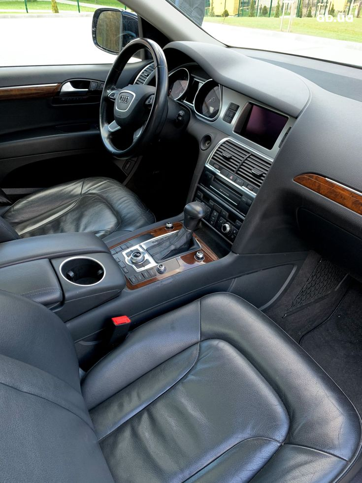 Audi Q7 2012 черный - фото 10