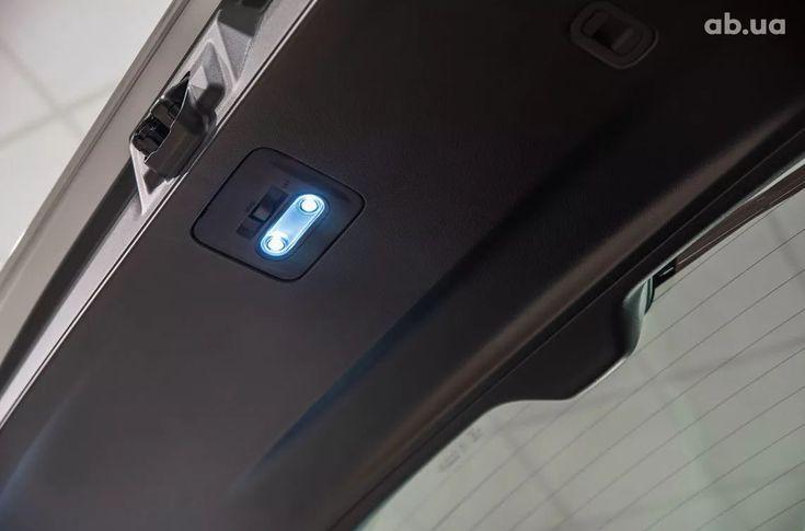 Subaru Forester 2020 белый - фото 7
