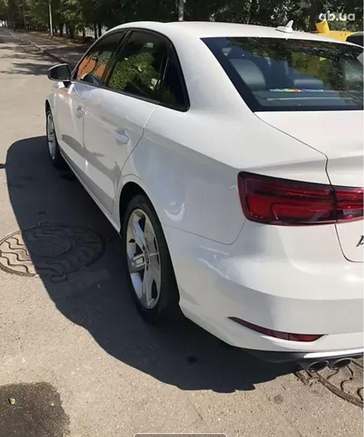 Audi A3 2018 белый - фото 4
