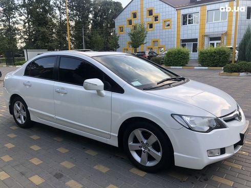Honda Civic 2008 белый - фото 2
