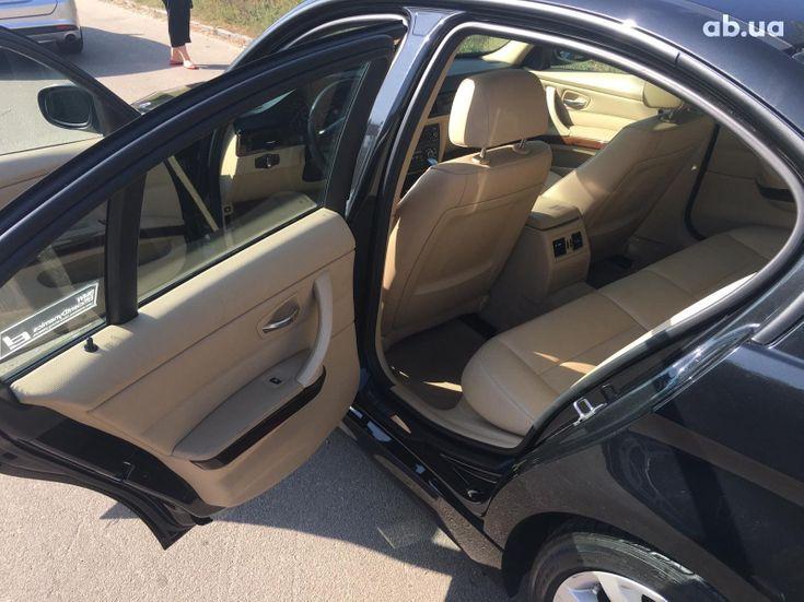 BMW 3 серия 2010 черный - фото 12