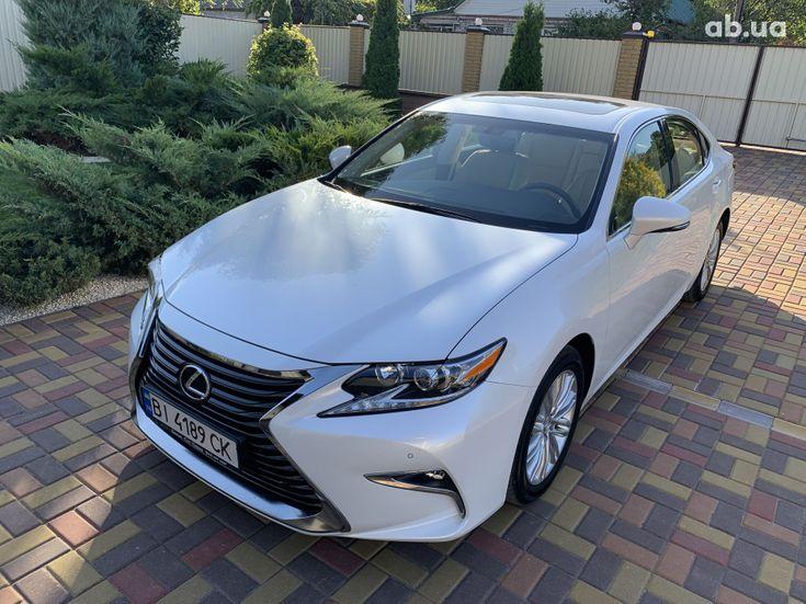 Lexus ES 2017 белый - фото 3