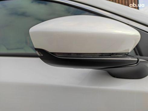 Mazda 3 2019 белый - фото 9
