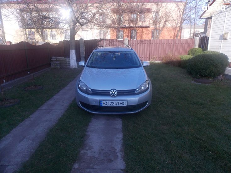 Volkswagen Golf 2011 серебристый - фото 2