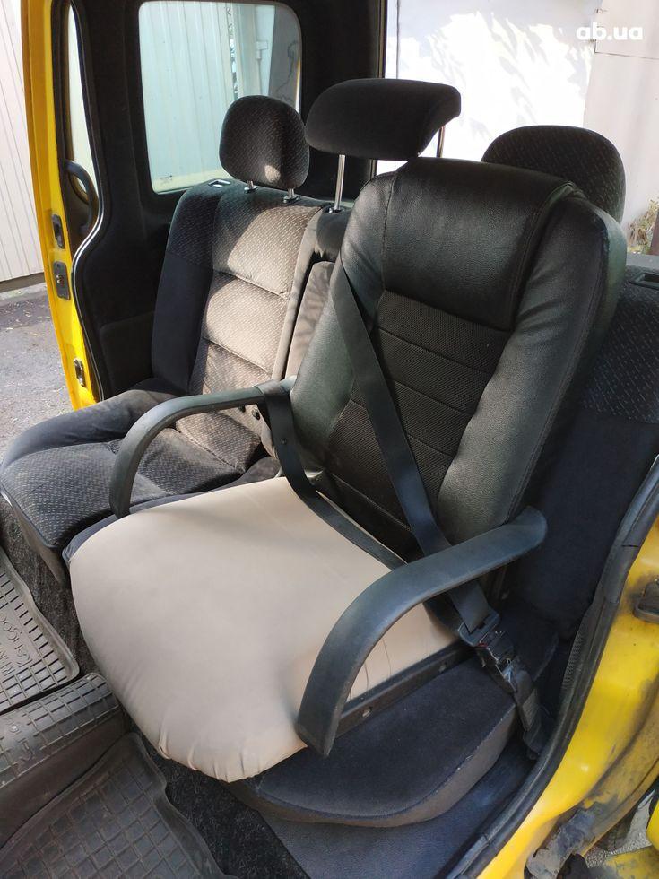 Renault Kangoo 2003 желтый - фото 9