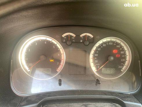Volkswagen Bora 2004 красный - фото 12