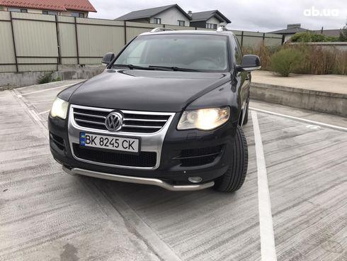 Volkswagen Touareg 2007 черный - фото 1