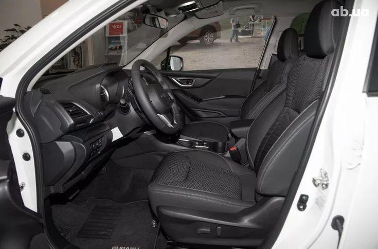 Subaru Forester 2021 белый - фото 10
