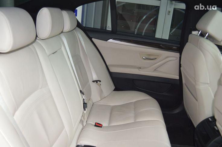 BMW 5 серия 2013 белый - фото 13