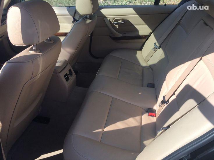 BMW 3 серия 2010 черный - фото 4