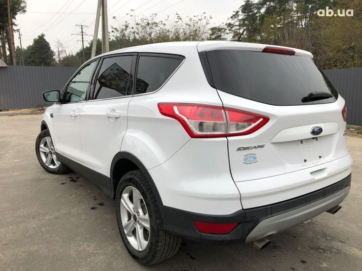Ford Escape 2016 белый - фото 6