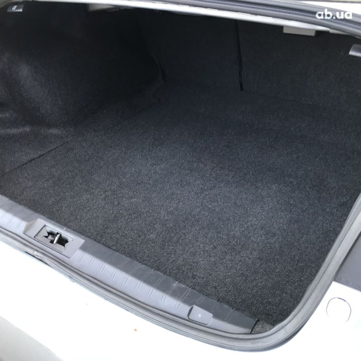 Subaru Legacy 2019 серебристый - фото 19