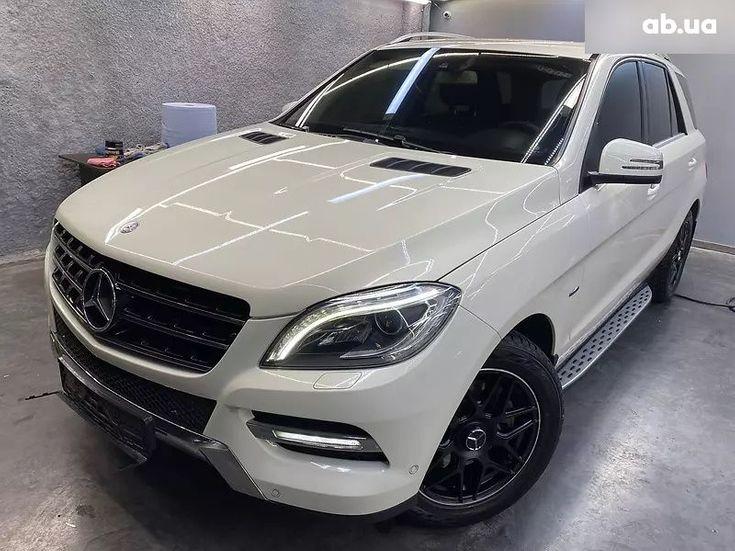 Mercedes-Benz M-Класс 2013 белый - фото 1