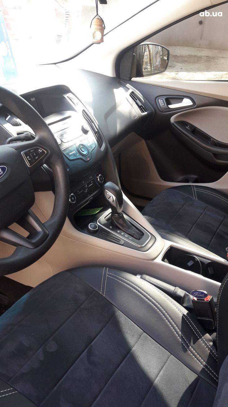 Ford Focus 2017 серый - фото 7