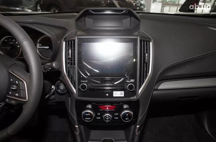 Subaru Forester 2020 белый - фото 17