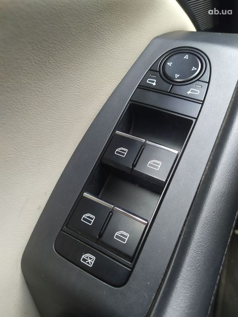 Mazda 3 2019 белый - фото 18