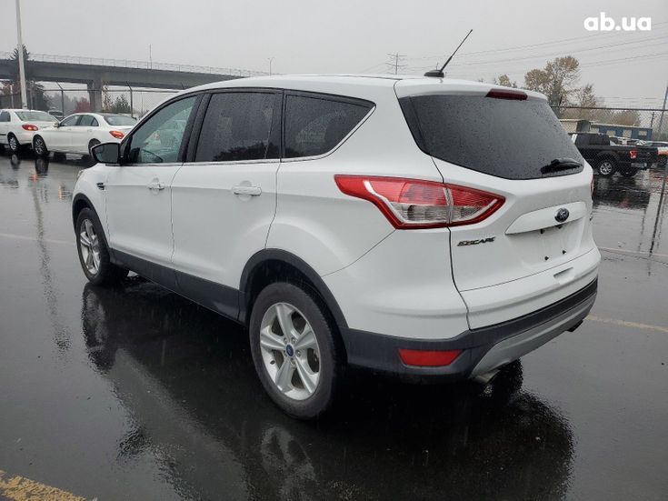 Ford Escape 2015 белый - фото 7