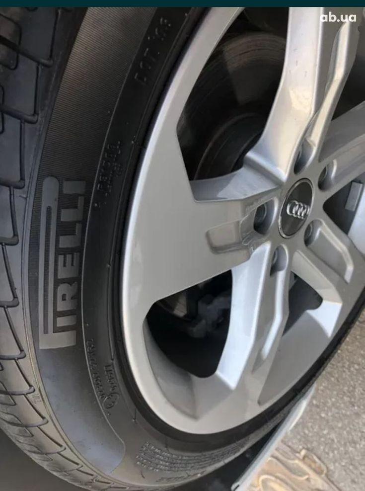 Audi A3 2018 белый - фото 19