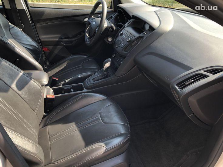 Ford Focus 2017 серебристый - фото 11