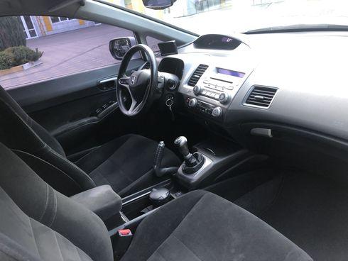 Honda Civic 2008 белый - фото 6