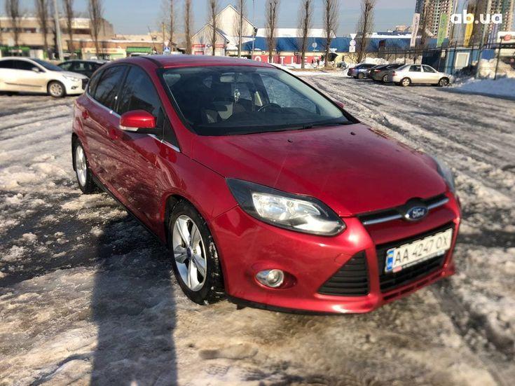 Ford Focus 2012 красный - фото 2