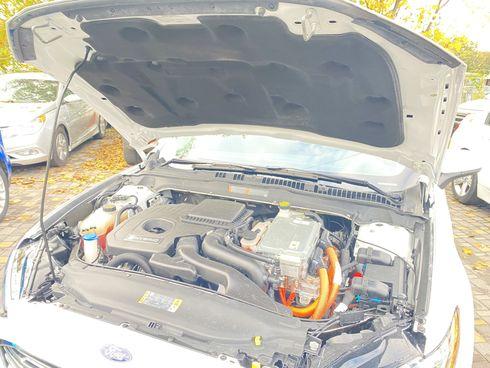Ford Fusion 2018 белый - фото 14