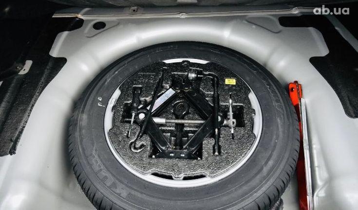Hyundai Sonata 2011 серый - фото 16