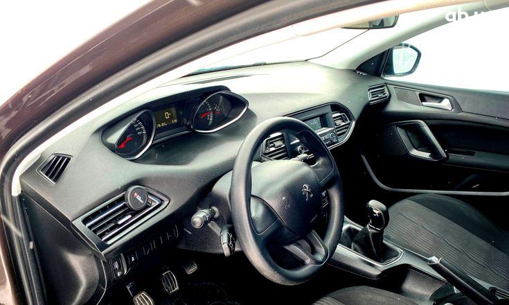 Peugeot 308 2015 коричневый - фото 8