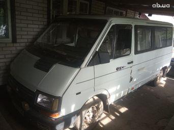 Продажа Renault б/у 1992 года в Мироновке - купить на Автобазаре
