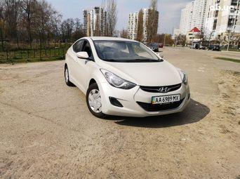Автомобиль бензин Хюндай Elantra 2013 года б/у - купить на Автобазаре