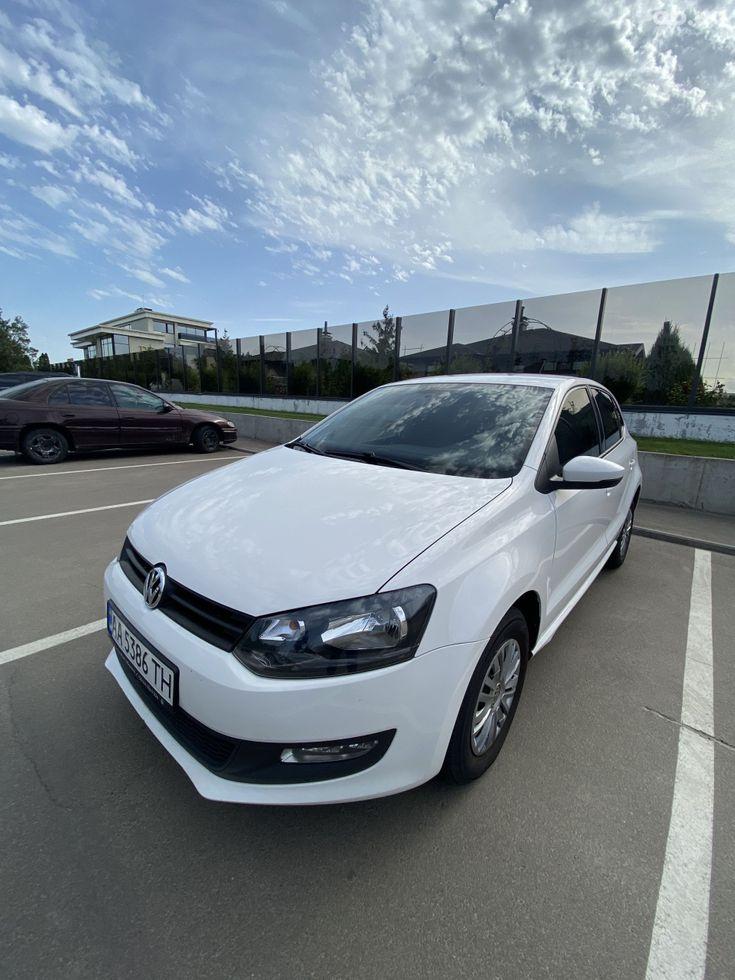 Volkswagen Polo 2013 белый - фото 1