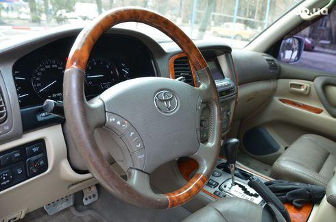Toyota Land Cruiser 2004 - фото 5